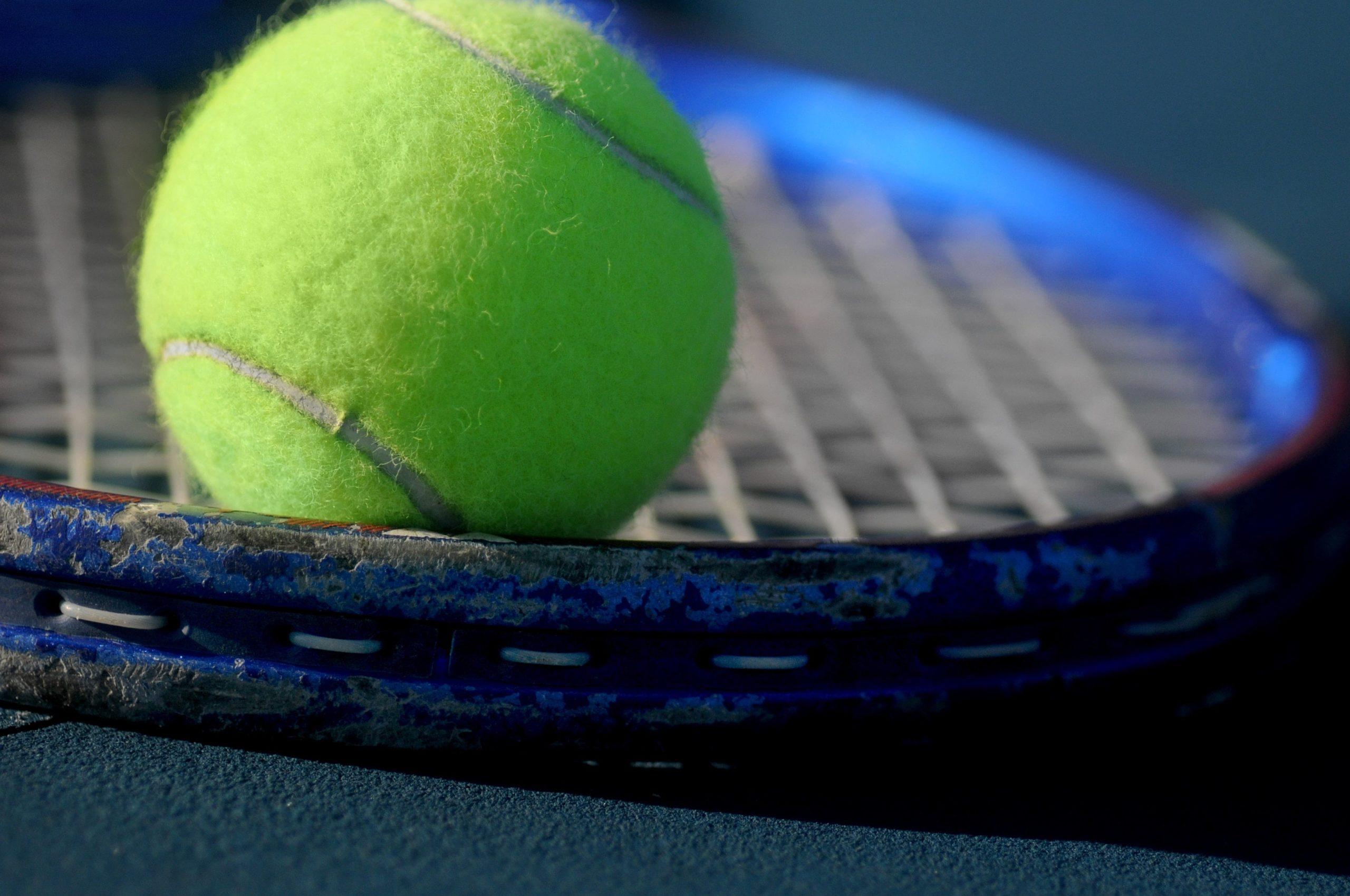Laoli_Vital_Sehne-Tennisarm-Tennisellbogen_Symptome-Tennisspieler